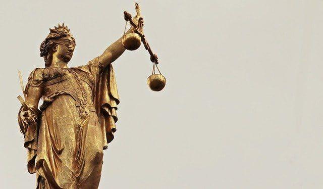 Matar a un ruiseñor justicia ciega